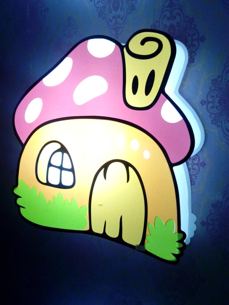 卡通灯蘑菇小房
